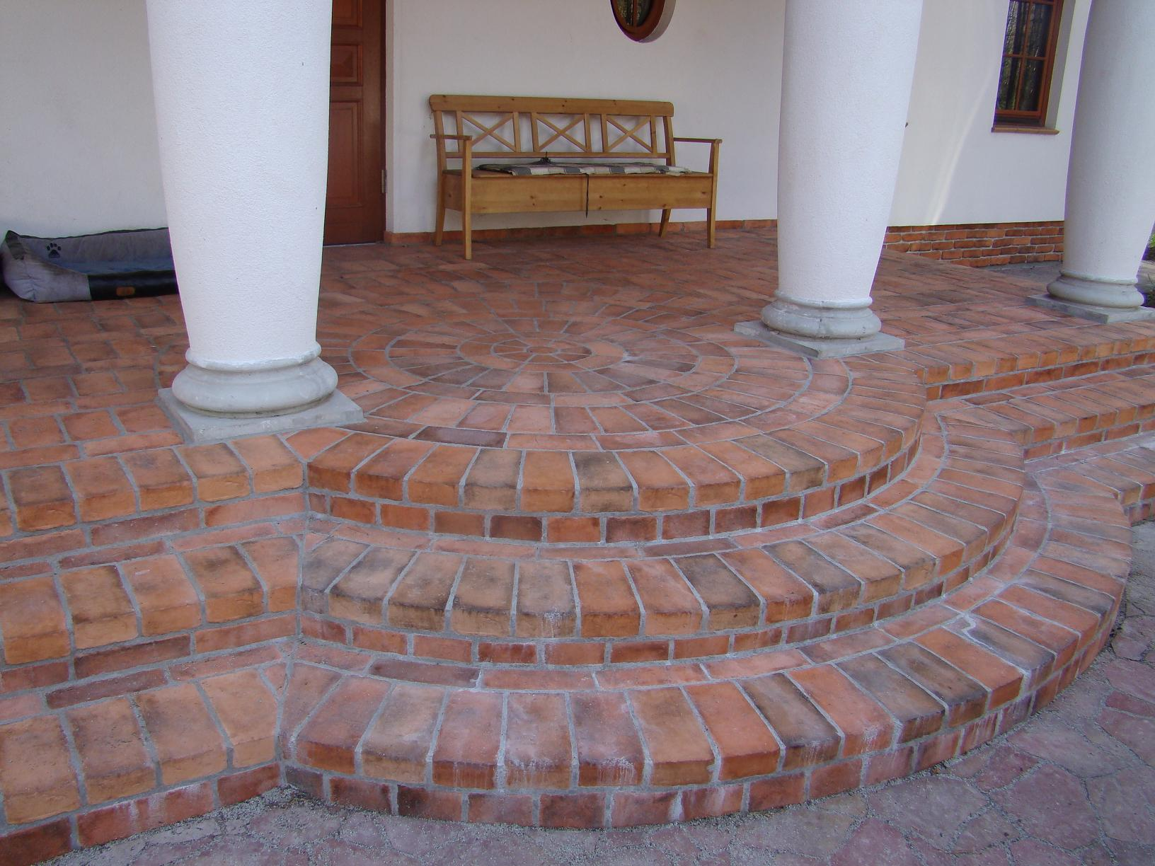 Brick tiles on terraces elkamino dom brick tiles on terraces 6 dailygadgetfo Images