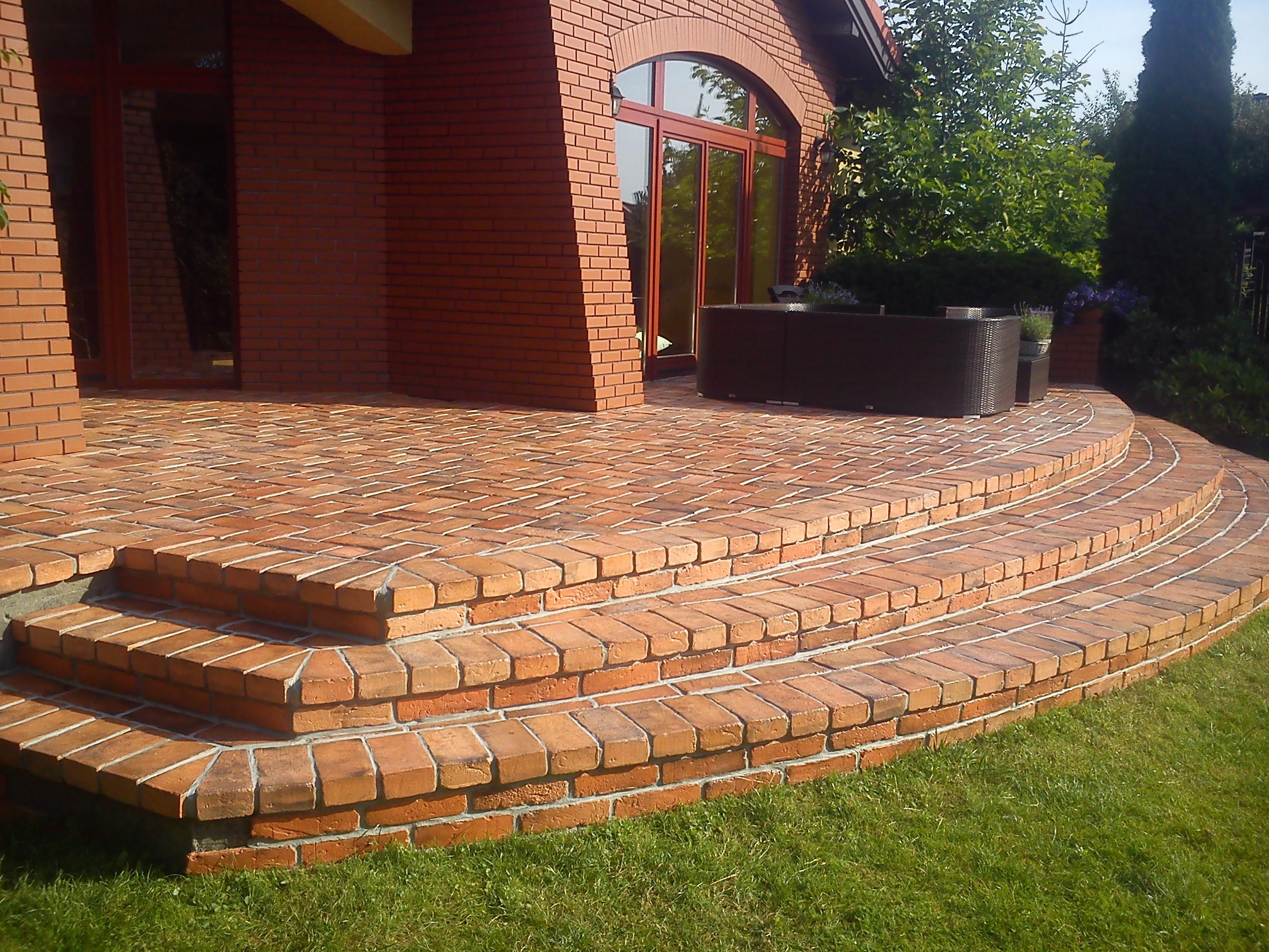 Brick tiles on terraces elkamino dom brick tiles on terraces 11 dailygadgetfo Images